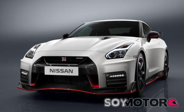 Nissan GT-R NISMO 2017 - SoyMotor.com