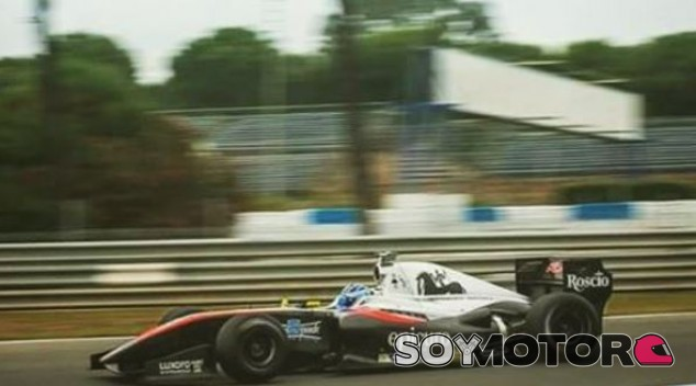 Victoria para Nissany, que aguanta la presión de Fittipaldi en Jerez