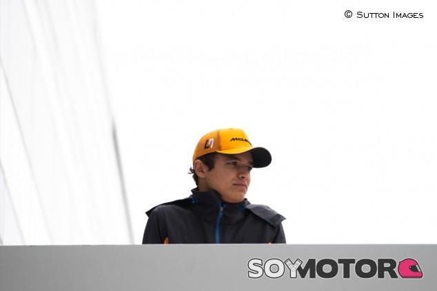 McLaren niega que Mercedes vaya a gestionar la carrera de Norris - SoyMotor.com