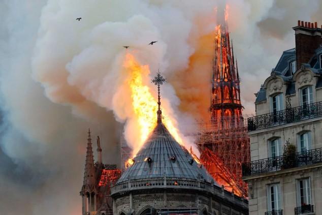 La comunidad francesa de la Fórmula 1, afligida por el incendio de Notre Dame - SoyMotor.com