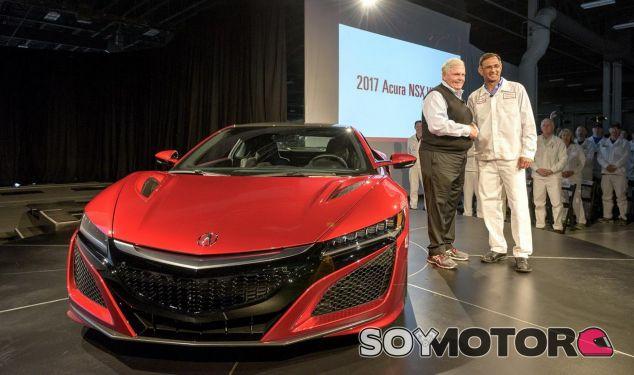 El primer Honda NSX sale de la línea de montaje -SoyMotor