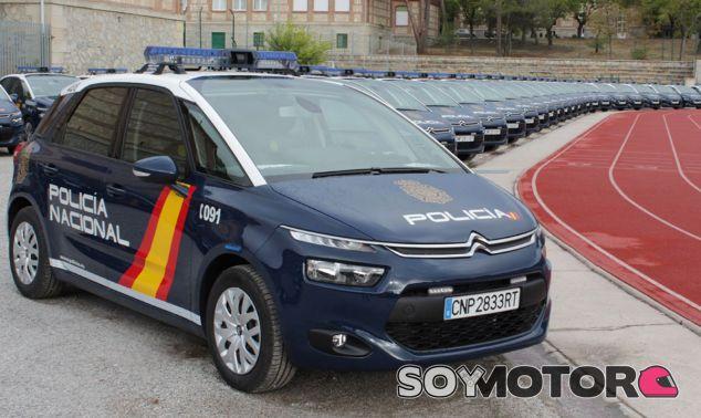 Todos los Citroën C4 Picasso posan en formación - SoyMotor