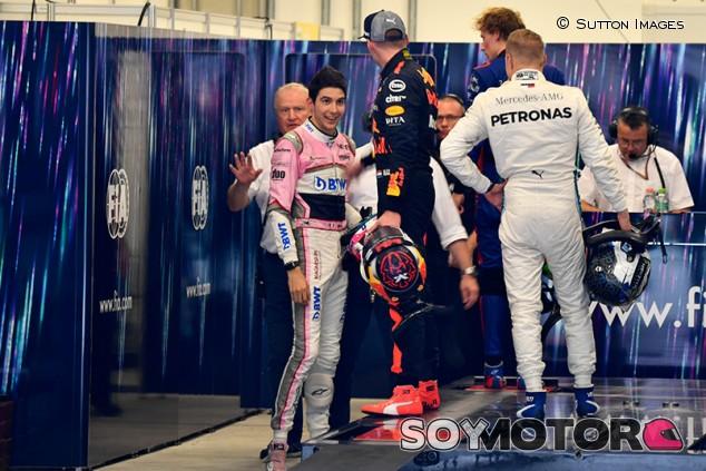 Verstappen cumple con su segundo día de castigo en Ginebra