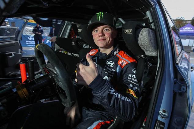Oliver Solberg correrá en Cerdeña con un Hyundai i20 Coupé WRC - SoyMotor.com