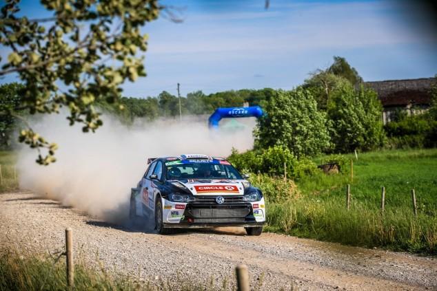 Huele a campeón: Oliver Solberg debuta con victoria en el ERC - SoyMotor.com
