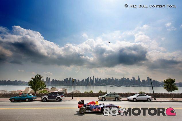 David Coulthard en una exhibición de Red Bull en Nueva Jersey - LaF1