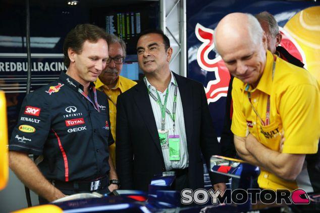 Carlos Ghosn junto a Christian Horner - LaF1