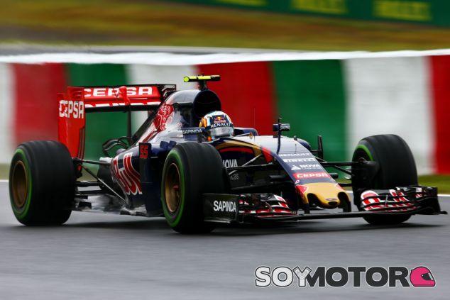 Carlos Sainz lidera los Libres 1 - LaF1