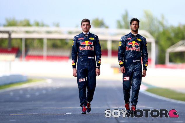 Max Verstappen y Daniel Ricciardo en Barcelona - LaF1