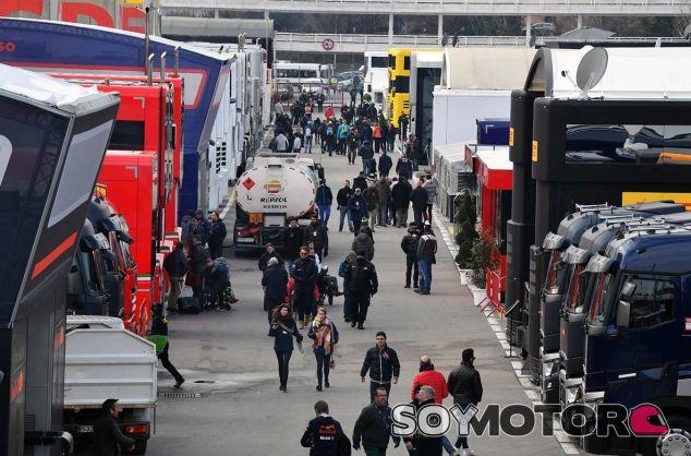 Paddock de F1 en el Circuit de Barcelona-Catalunya - SoyMotor.com
