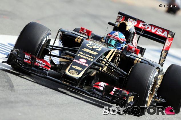 Palmer con el Lotus en Barcelona - LaF1.es