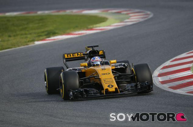 """Palmer: """"Cuesta adaptarse al nuevo coche, pero ahora me divierto más"""" - SoyMotor"""
