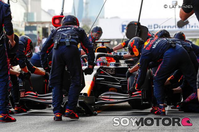Mundial de Paradas 2021: Red Bull también lidera en los boxes de Bakú - SoyMotor.com