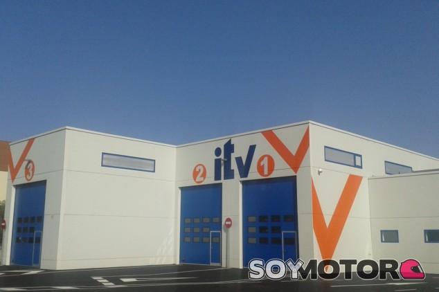 Pasar la ITV en Madrid cuesta el doble que hacerlo en Andalucia - SoyMotor.com