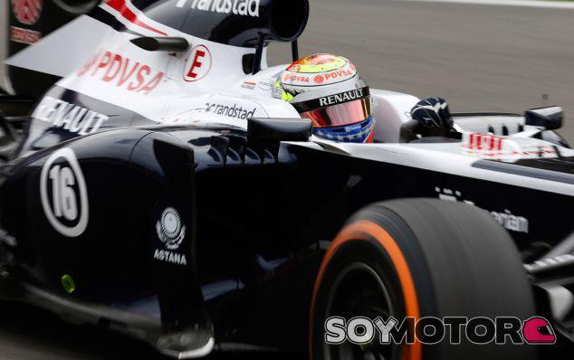 Pastor Maldonado al volante de su FW35