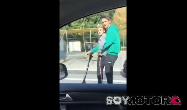 Rozando los 80 kilómetros/hora por las calles de Barcelona en un patinete eléctrico - SoyMotor.com
