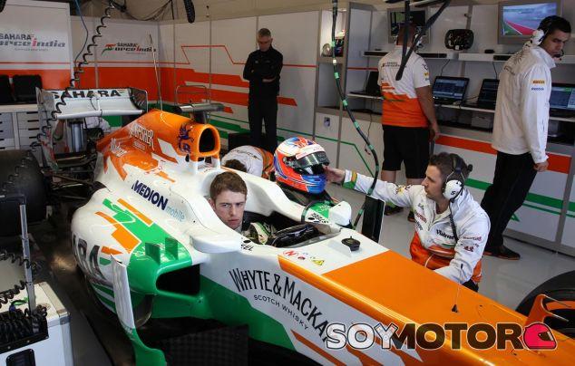 Paul di Resta en el box de Force India en Austin - LaF1