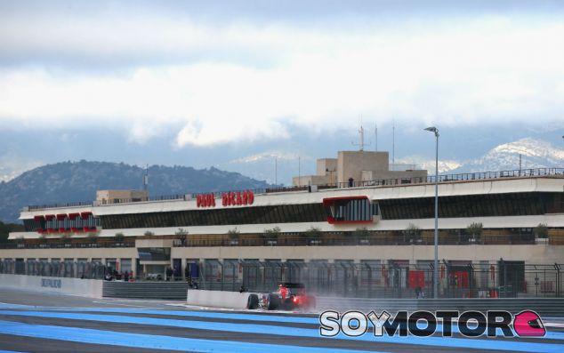Danill Kvyat en Paul Ricard durante unos test con Red Bull - LaF1