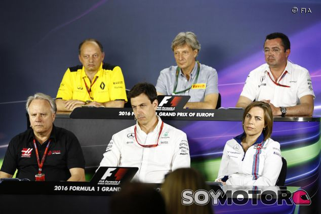 Rueda de prensa de jefes de equipo en Bakú - LaF1