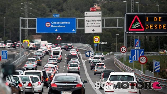 Ada Colau estudia poner un peaje en la entrada de Barcelona - SoyMotor.com