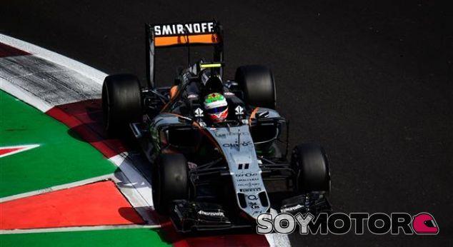 Pérez, durante una carrera esta temporada - LaF1