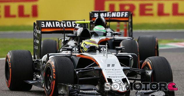 Pérez y Hülkenberg durante una carrera esta temporada - SoyMotor