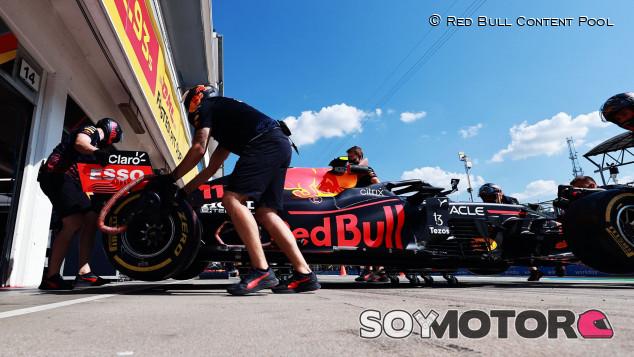 """Pérez pierde su último intento en Q3: """"Ha sido una verdadera pena, teníamos potencial"""" - SoyMotor.com"""