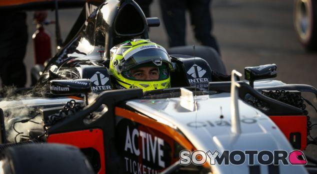 Las claves de 2017 para Sergio Pérez: gestión de carrera y neumáticos - SoyMotor.com