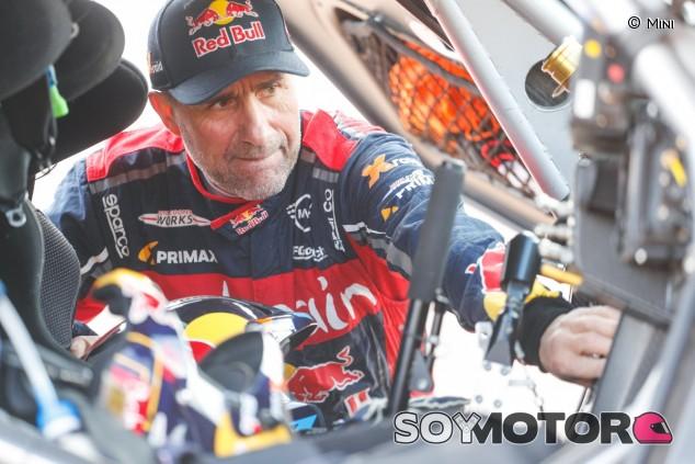 Stéphane Peterhansel en el Dakar 2020 - SoyMotor.com
