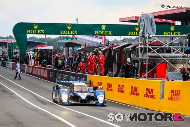 Carlos Tavares en el Peugeot 908 en Le Mans - SoyMotor.com