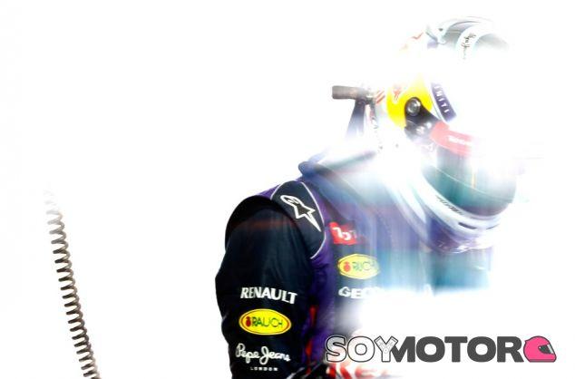 Sebastian Vettel en el box de Hungría