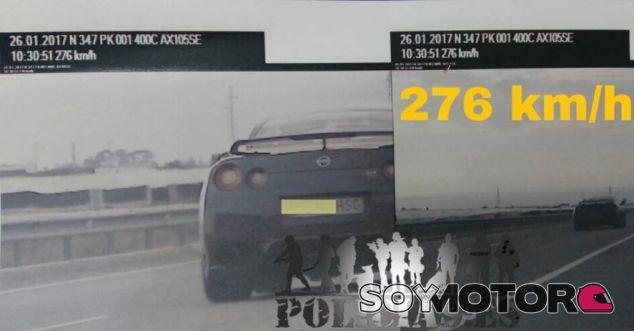 El Nissan GT-R a alta velocidad en Almería - SoyMotor