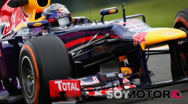 """Vettel y Alonso sufrieron sendos pinchazos: """"No sabemos lo que pasó"""""""