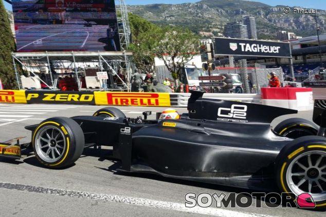 Martin Brundle a bordo de un GP2 con ruedas Pirelli de 18 pulgadas - LaF1.es