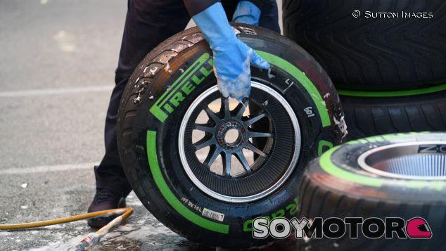 Pirelli permite usar cambers y presiones sin límite en los tests - SoyMotor.com