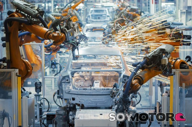 La industria del automóvil presenta su propio plan estratégico de cara 2040 - SoyMotor.com