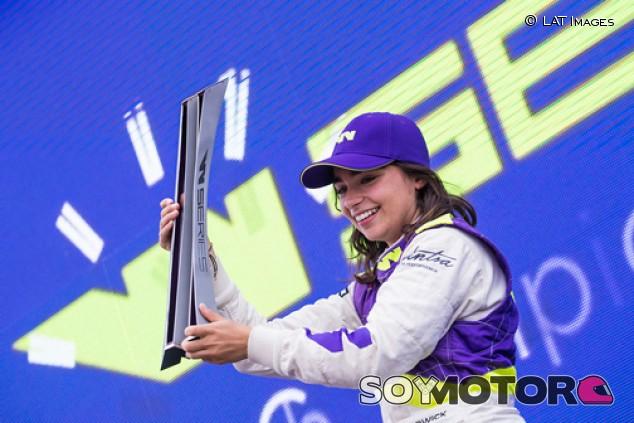 Jamie Chadwick correrá la Fórmula Regional Europea este 2020 - SoyMotor.com