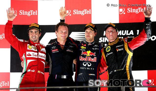 Podio de Singapur con Alonso, Horner, Vettel y Räikkönen - LaF1