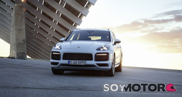 El Porsche Cayenne E-Hybrid cuenta con una autonomía de 44 kilómetros en modo eléctrico - SoyMotor