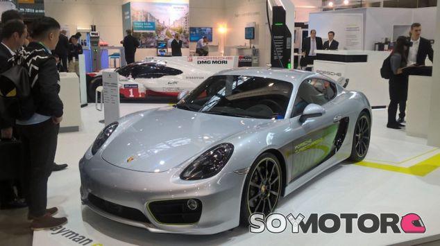 El Porsche Cayman E-Volution expuesto en Stuttgart - SoyMotor