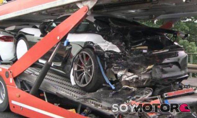 Este es el estado de uno de los Porsche Cayman GT4 afectados - SoyMotor