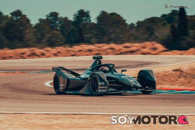 Nuevo test del Porsche de Fórmula E en Calafat - SoyMotor.com
