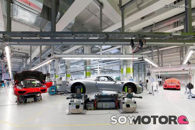Porsche 918 en la fábrica - SoyMotor.com