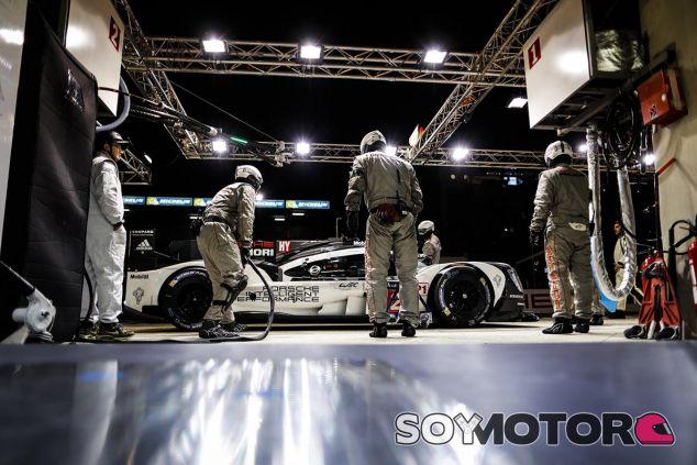 Romain Dumas, Neel Jani y Marc Lieb, los pilotos del Porsche que ocupa la Pole Position - LaF1
