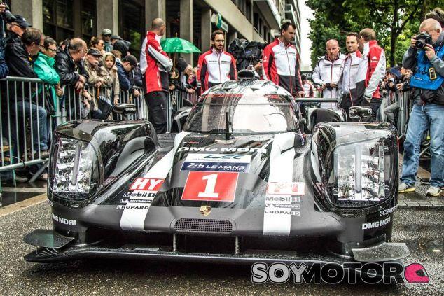 Porsche en las verificaciones técnicas de la Plaza de la Concordia - LaF1