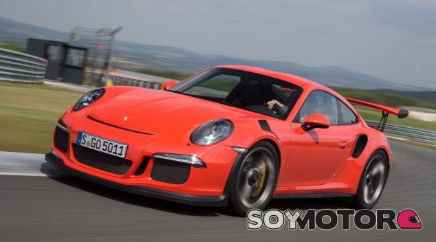 Porsche nos guarda la sorpresa del 911 R, el último exponente atmosférico - SoyMotor