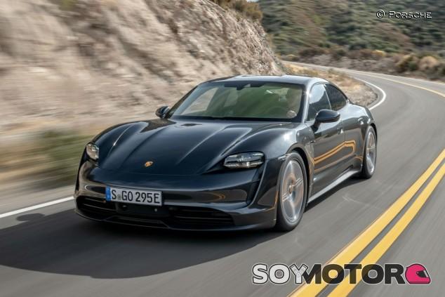 El Porsche Taycan es el primer eléctrico en liderar el GEOM Index - SoyMotor.com