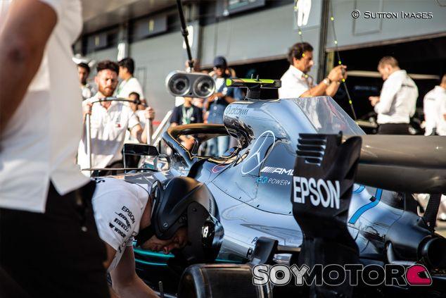 Práctica de parada con el W09 de Valtteri Bottas en Silverstone - SoyMotor.com