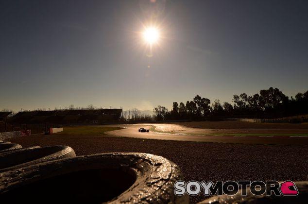 El atardecer en el Circuit de Barcelona-Catalunya – SoyMotor.com