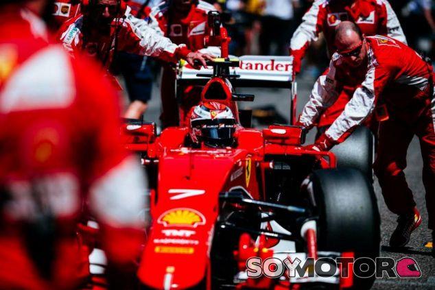 Soucek no cree acertada la decisión de Ferrari de renovar un año a Räikkönen - LaF1